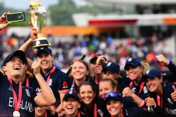 ভারতকে হারিয়ে নারী ক্রিকেট বিশ্বকাপ জয়ী ইংল্যান্ড