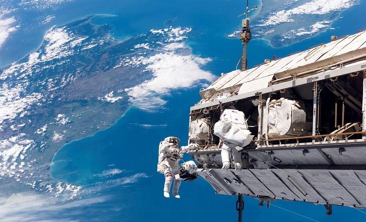 আন্তর্জাতিক মহাকাশ কেন্দ্রের (আইএসএস) বাইরে জীবিত ব্যাকটেরিয়া পাওয়া গেছে